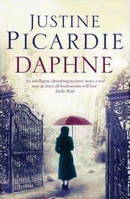 """Book Club reads """"Daphné"""""""